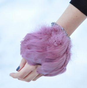 آموزش ساخت دستبند با پر +تصاویر