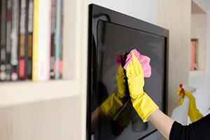 چگونه صفحه نمایش تلویزیون را تمیز کنیم؟