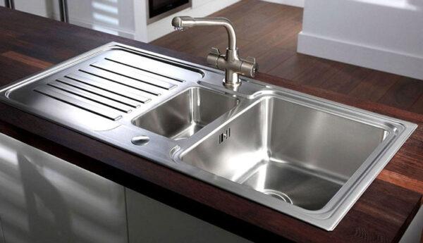 تمیزی سینک ظرفشویی