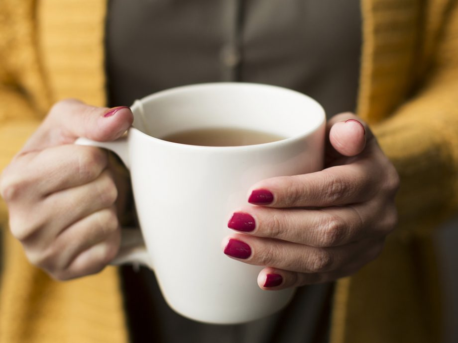 چای پرخاصیت   خواص بی نظیر خوردن یک فنجان چای در روز