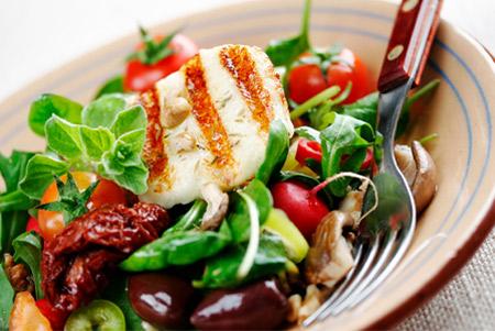چه غذاهایی جوش و آکنه را نابود میکنند؟