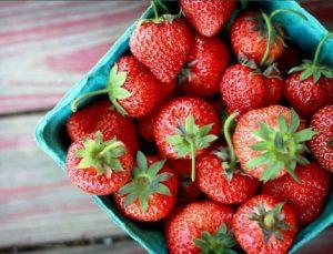 چرا باید توت فرنگی بخوریم؟