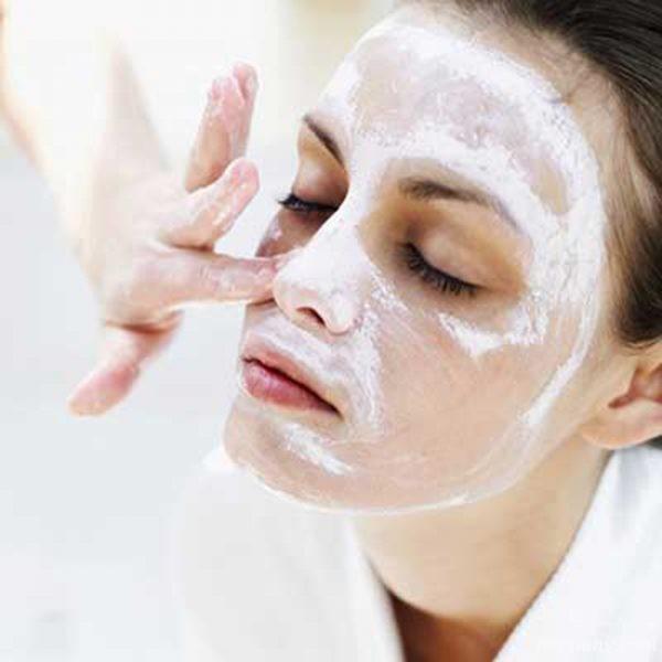 با این ماسک صورت خانگی ساده پوست تان را زیبا و روشن تر کنید