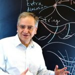 کامران وفا فیزیکدان برتر ایرانی و زندگی پرفراز و نشیبش