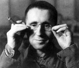 نگاهی به زندگی برتولت برشت شاعر و نمایشنامه نویس آلمانی