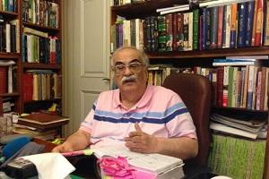خسرو معتضد از زندگی , تاریخ و فیلم پنجاه کیلو آلبالو میگوید