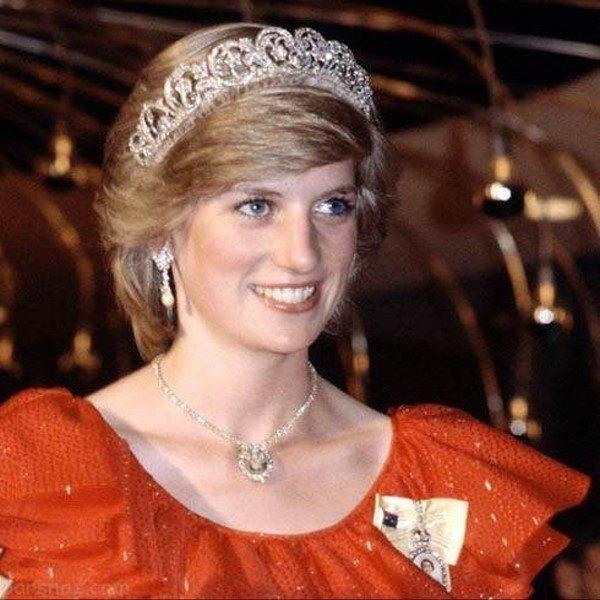 تصاویری از لباس های ملکه ، پرنسس دایانا و مارگارت +عکس