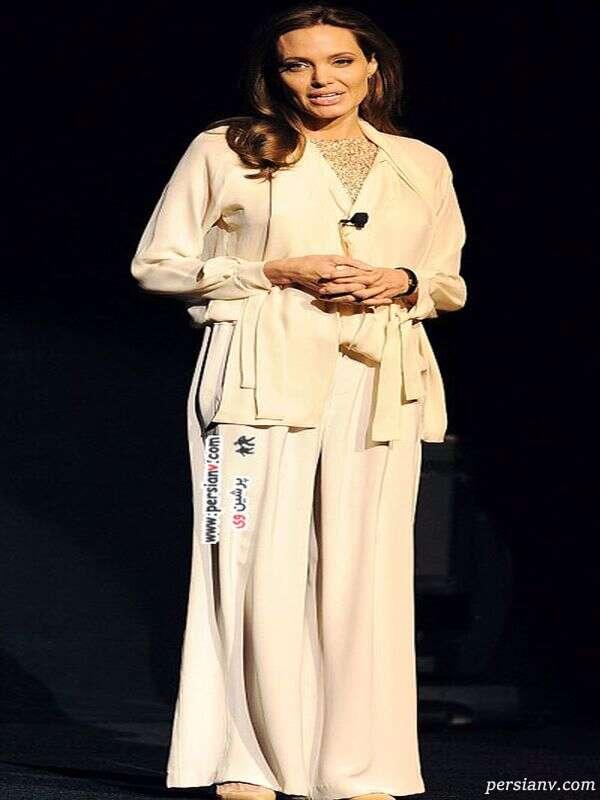 آنجلینا جولی با لباس روشن
