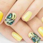 طرح های زیبا و متفاوت ناخن به رنگ زرد