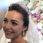 لباس عروس خیره کننده و سنگین عروس جوان روسی