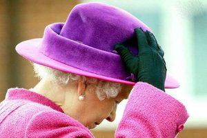 مدل کلاه های جذاب و متفاوت ملکه الیزابت +تصاویر