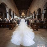 لباس عروس تماشایی و گرانقیمت وارث کمپانی سنگ های جواهری سواروفسکی