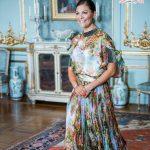 لباس طرح دار ولیعهد سوئد پرنسس ویکتوریا شبیه به یک تابلوی نقاشی!