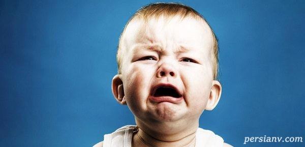 علت گریه کودکم را نمی دانم. چکار باید بکنم؟