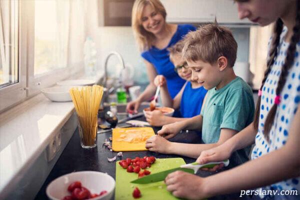 مهارت های زندگی به کودکان