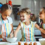 ۲۴ راه برای سرگرم کردن بچه ها در خانه