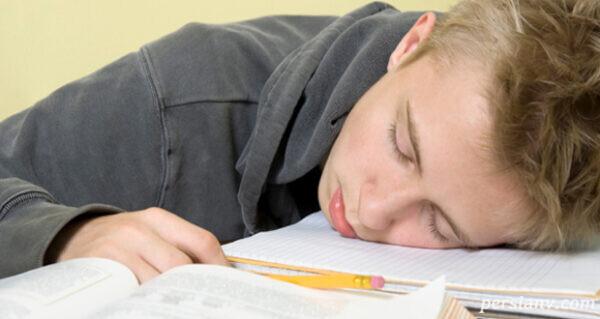 راهکارهایی برای تنظیم زمان خواب دانش آموزان