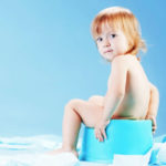 چه وقت و چگونه کودک را از پوشک بگیریم
