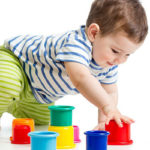 چگونه کودک نوپا خود را سرگرم کند