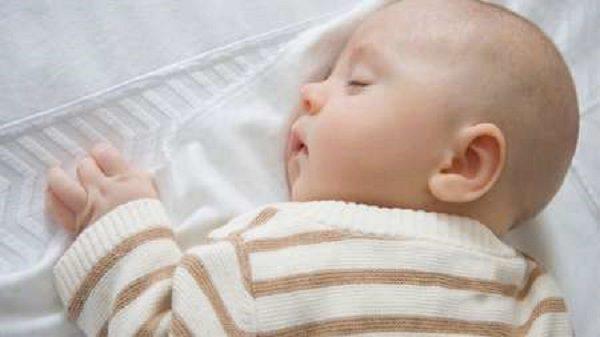 ده توصیه طبی درباره نوزادان پسر
