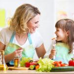 ۸ روش برای علاقمند کردن کودکان به خوردن غذاهای سالم