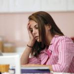 مشکلات روانی در دختران نوجوان و رابطه آن با رفتار پدر