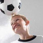 آسیب مغزی در کودکان ؛کودکان با سر به توپ نزنند