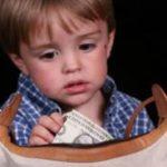 علت دزدی بعضی از کودکان چیست؟