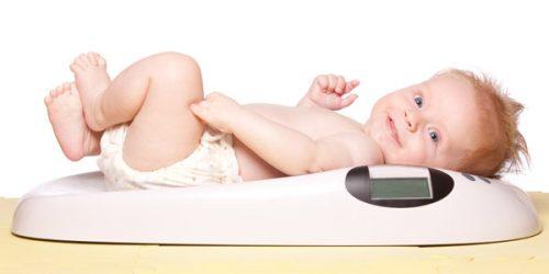 وزن طبیعی نوزاد