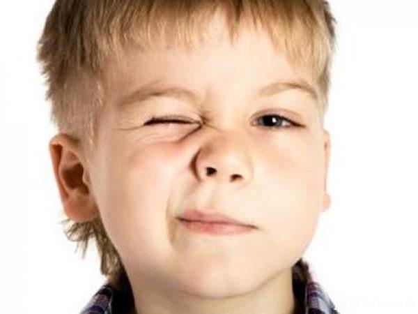 علت و راههای درمان تیک در کودکان