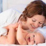 تغذیه مادر شیرده دارای فرزندان دو قلو