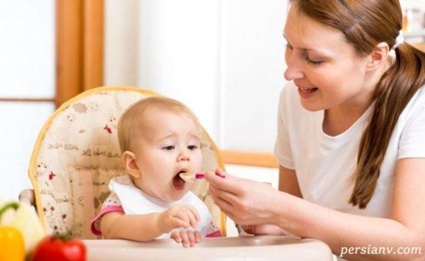 توصیه هایی راجع به شروع تغذیه کمکی در شیرخواران