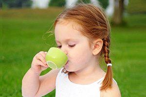 کودکان روزانه چقدر چای می توانند بخورند؟