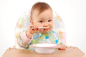 کودکان نوپا به چه مقدار غذا نیاز دارند؟