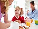 آموختن رفتار و کار خوب به جای بازداشتن کودک از رفتار و کار بد