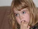 چرا کودکان ناخن میجوند/ نقش ماساژ در درمان ناخن جویدن