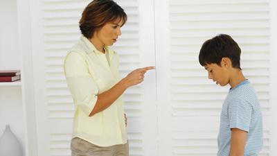 تربیت کودک وجملات مخربی که تاثیری منفی بر ذهن کودک می گذارد