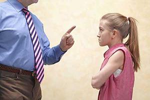 با بهانه گیری وکج خلقی کودکان چگونه برخورد کنیم؟