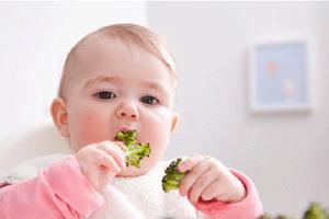 عادات غذایی کودک در سال اول زندگی