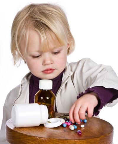 دارو دادن به کودکان