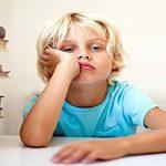 چرا کودکان مدام حوصله اش سر میروند؟