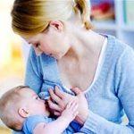 آشنایی با انواع مضرات و فواید شیرمادر برای کودک