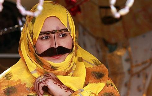 عکس:ترکیب زنانه طلا و حنا