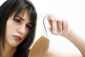 اسپری و ژلهای حالت دهنده موجب ریزش مو میشوند