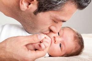 با افزایش سن ،قدرت باروری مردان نیز کاهش مییابد