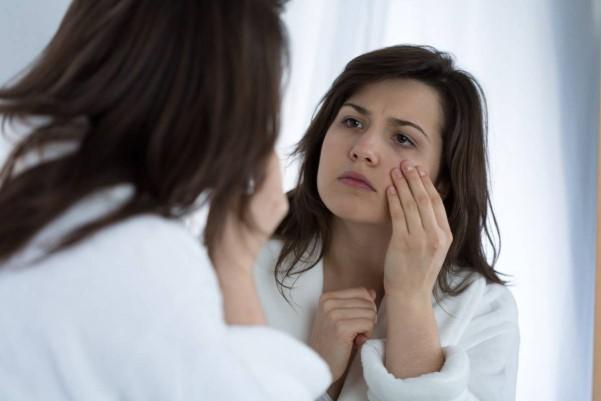 من دچار گودی زیر چشم و زیر چشمم سیاه شده چه باید بکنم