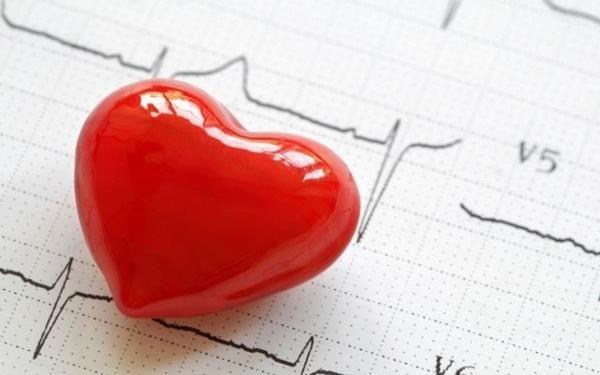 چرا تپش قلب می گیریم