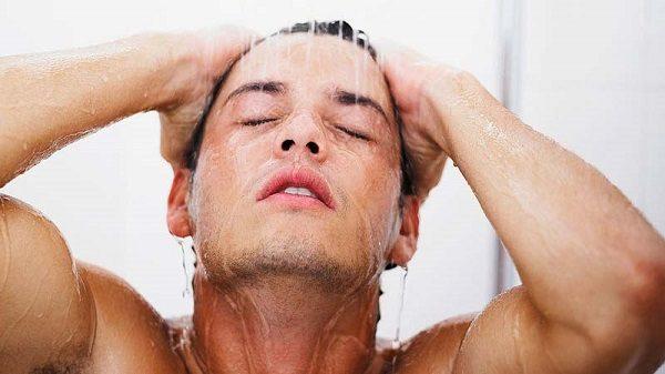 ساعت و زمان مناسب برای حمام کردن