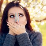 عطسه و آبریزش بینی در بهار