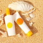 در فصل تابستان از مرطوب کننده هایی که چربی کمتری دارد استفاده کنید